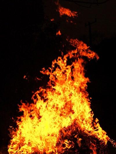 Колата е била запалена вчера вечерта. Снимка: Pexels