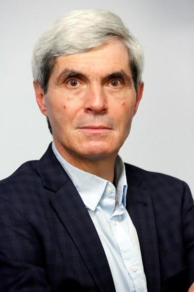 Шефът на червената ЦИК Емил Войнов