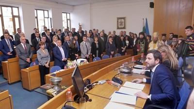 Новите съветници се заклеха пред областния управител на София Николай Пехливанов. СНИМКА: Йордан Симеонов