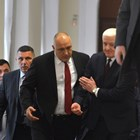 Премиерът Бойко Борисов се срещна вчера с черногорския си колега Душко Маркович. А после се пошегува с министрите си, че май трябва да се преглеждат за симптоми на вируса и правителствените гости.