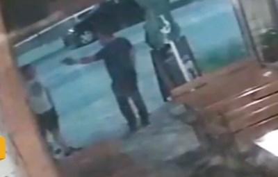 Бившият военен насочил пистолет в главата на младежа Кадри: Нова тв