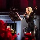Лили Иванова по време на концерта си в Пловдив