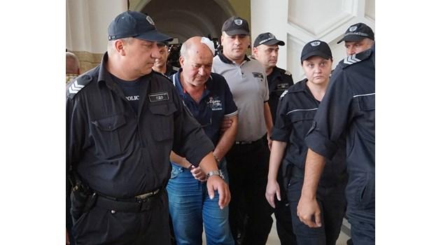 Шофьорът на рейса убиец - на психолог,  пускат го срещу 2000 лева (Обзор)