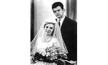 Левскари от пощата в Пловдив разкрили  тайната сватба на Гунди и Лита