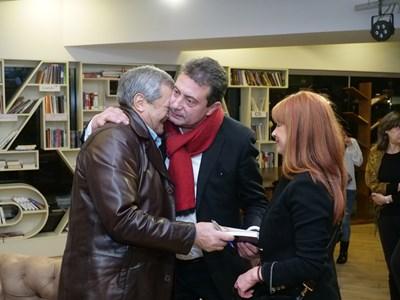 Константин Каменаров и Радина Червенова също поздравиха автора.