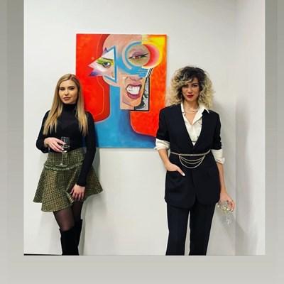 Мелина (вляво) е и красива, и талантлива