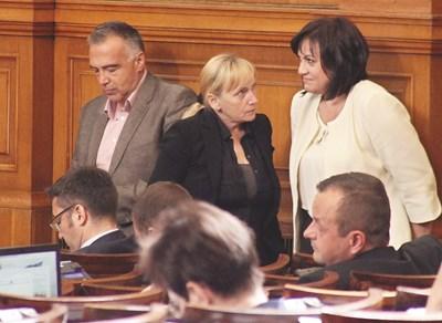Лидерката на БСП Корнелия Нинова разчита на Елена Йончева за важни битки на опозицията във и извън пленарната зала.