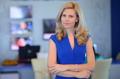 Деси Банова