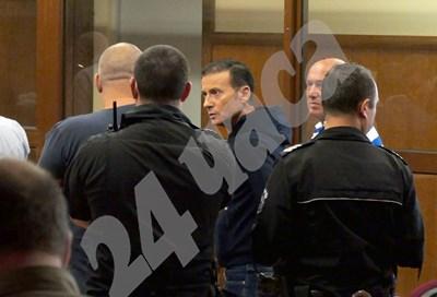 Миню Стайков преди година, когато за първи път му отказаха да го пуснат от ареста.
