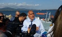 Борисов за потъналия кораб: Разпоредил съм само да се пази животът на водолазите (Видео, снимки)