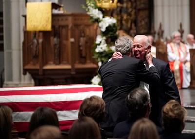 Джеймс Бейкър на погребението на Джордж Буш-старши СНИМКА: Ройтерс