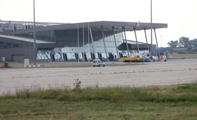 Бомба на пловдивското летище не е открита