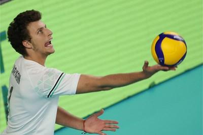 Денис Карягин отново бе най-резултен за България и направи 17 т. срещу Куба. Снимка: FIVB