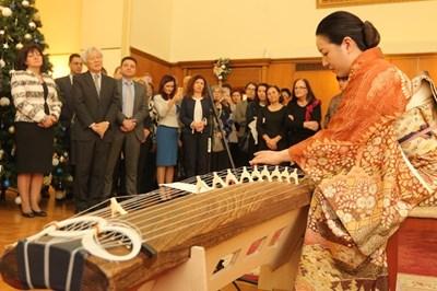 Икебана и японска музикав парламента