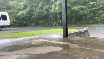 Ураганът от първа степен Исаяс връхлетя Северна Каролина СНИМКА: РОЙТЕРС