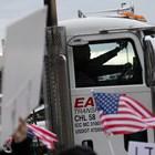 Хаос с доставките в САЩ, търсят спешно 80 000 шофьори на камиони
