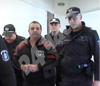 Рецидивист получи 25 години затвор за убийство и грабеж