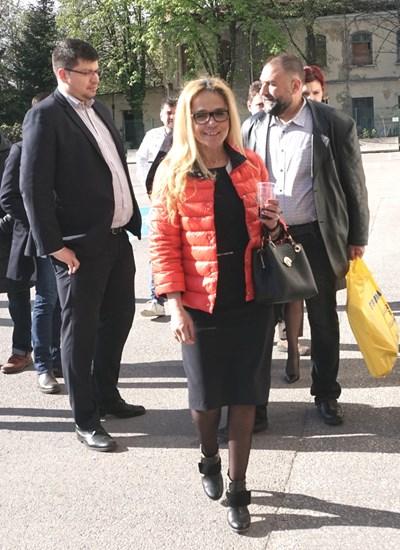 Иванчева преди днешното съдебно заседание. Снимка ДЕСИСЛАВА КУЛЕЛИЕВА