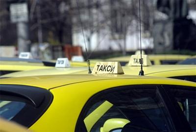 Такситата в Пловдив ще плащат данък от 300 лв. и през 2022 г. Снимка: Архив