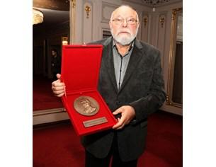 Владимир Зарев е новият носител на наградатаза духовен принос на името на Иван Вазов
