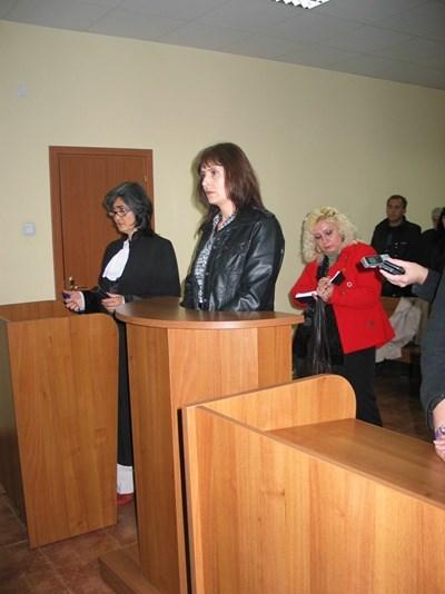 Поля Даскалова в съдебната зала