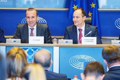 Лидерът на делегацията на ГЕРБ/ЕНП в ЕП Андрей Ковачев е заместник на Манфред Вебер, шеф на групата на ЕНП в ЕП и кандидат за председател на Европейската комисия.