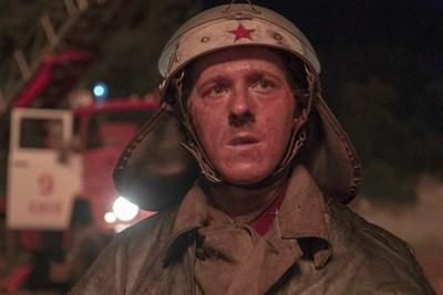 Актьорът Адам Нагаитис се превъплъщава във Василий Игнатенко. СНИМКА: HBO