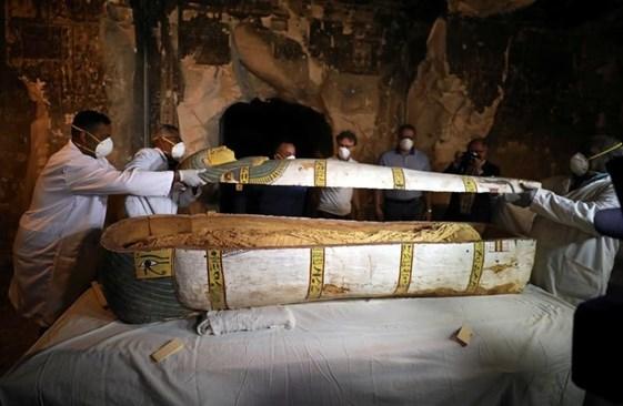 Още се откриват запечатани саркофази в Египет Снимки: Ройтерс