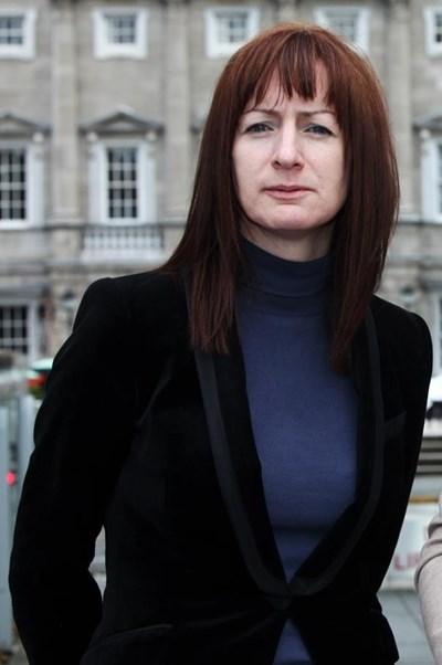 Ирландската евродепутатка Клеър Дейли СНИМКА: Фейсбук/Clare Daly