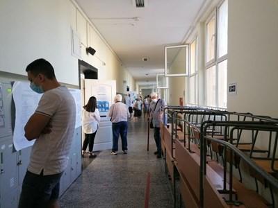 7,5 процента беше избирателната активност в Кърджалийско до обяд.