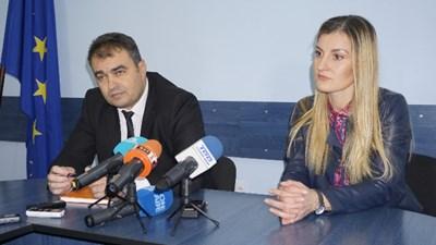 Шефът на ОД на МВР във Видин Петър Коцин на съвместната пресконференция с окръжния прокурор Ваня Ненкова. Снимка: Радио Видин.