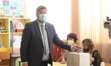 """Христо Иванов гласува: Очаквам изненадващ резултат за """"Демократична България"""""""
