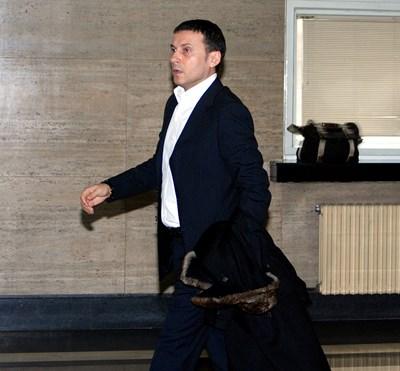 Гладен, но прегледан от 14 лекари за 60 дни, Миню Стайков съди държавата за 30 хил. лева