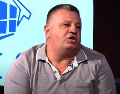 Косовската полиция задържа в Прищина Насим Харадинай КАДЪР: Youtube/n'Kosove Show