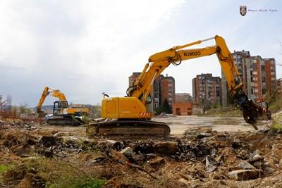 Започна разчистването на терена за новото игрище СНИМКА: Община Велико Търново