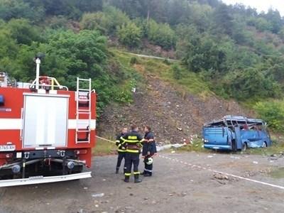Катастрофиралият автобус СНИМКА: МВР