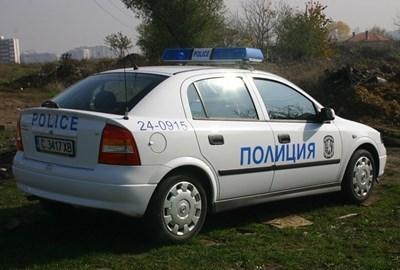 Въпреки COVID-19 полицаи продължават да проверяват шофьори денем и нощем  СНИМКА: Архив