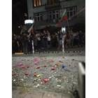 """Протестиращи снощи замеряха емблематичната сграда на """"Раковски"""" 134 с яйца и домати. Снимка Йордан Симеонов"""