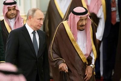 Путин подари на Салман камчатски сокол. Снимка РОЙТЕРС