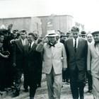 Живков бързо става любимец на Хрушчов (вляво).