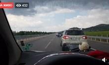 Автошествие пътува протестно към Калотина с 30 км/час (На живо)