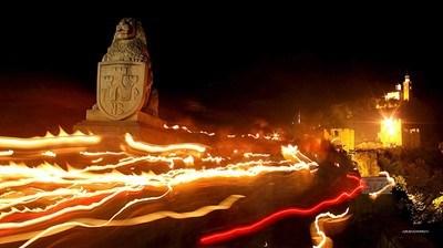 Шествие с факли преминва от Царевец до Катедралния храм