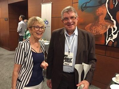 Авторката Нахиде Дениз и доц. Михаил Иванов на конференцията в Чорлу