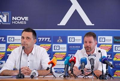 """Новият директор на """"синята"""" школа Йончо Арсов (вдясно) и главният методист доц. Емил Атанасов представиха плановете си за нейното развитие. Снимка: клубен сайт"""