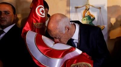 Протести в Тунис срещу президента