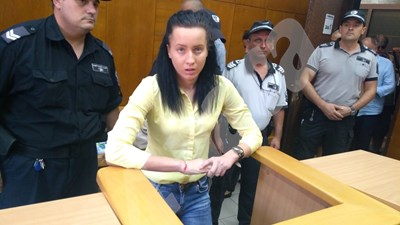 Габриела Медарова в съда. СНИМКИ: АВТОРЪТ СНИМКА: 24 часа