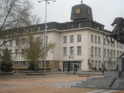 Сградата на общината в Ловеч Снимка: lovech.bg