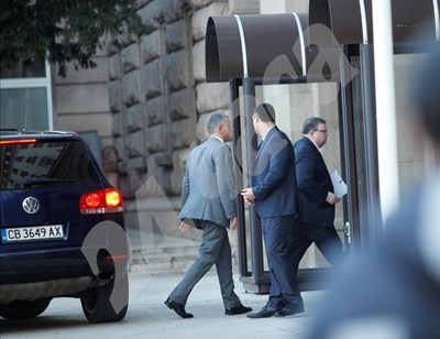 Главният прокурор Сотир Цацаров влиза в президентството СНИМКИ: Йордан Симеонов СНИМКА: 24 часа