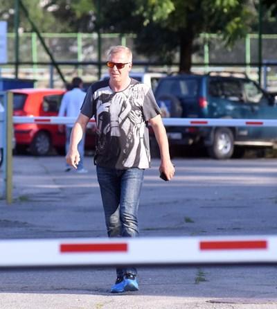 """Собственикът на """"Левски"""" Наско Сираков проведе среща с Валери Божинов, след която стана ясно, че нападателят започва тренировки на """"Герена"""". СНИМКА: ВЕЛИСЛАВ НИКОЛОВ"""
