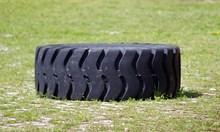 Стабилизирано е момченцето, затиснато от тежка гума във Велико Търново